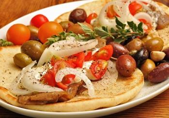 gyros-pita-piatto-tipico-greco